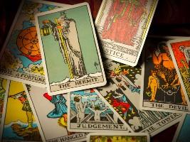 Tarot Dersleri-Ermiş kartı mitoloji ve güncel anlamları (Video)