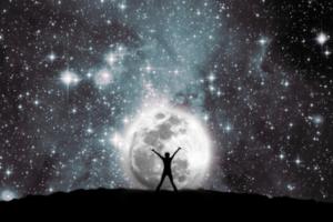 Astrolojide şans getiren açılar ; Güneş akrepde, NeptünRx balıkda konumlanıyor. Jüpiter'de oğlak burcunda. Her ikisiylede uyumlu. Bu bir dilekleri gerçekleştirme açısı ancak evrensel yasalardan ilkini hatırlamakta fayda var. Başkasının zararına olacak düşünceler dilek olamaz.